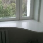 стол подоконник в детской фото 18