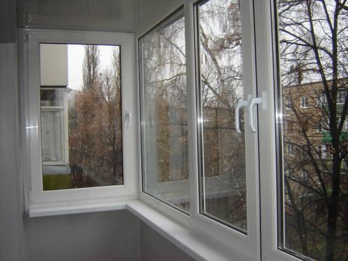 Преимущества ПВХ остекления для балкона