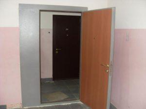 Особенности тамбурных дверей